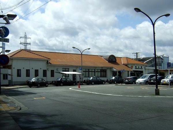 亀山駅の駅舎