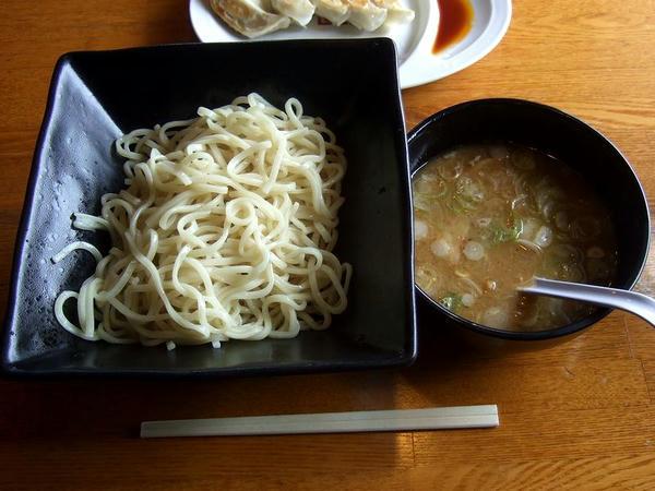豚骨つけ麺粉節(中盛) 845円