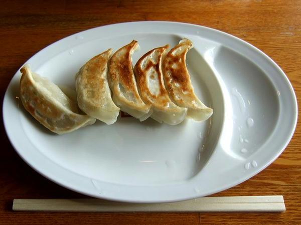 手作り焼き餃子 185円※特別価格(通常は370円)