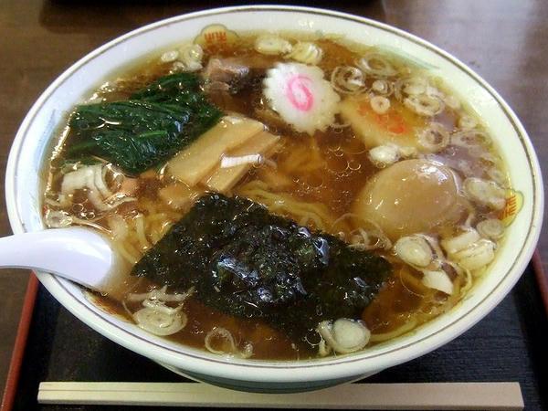 金丸本店中華そば(醤油味)煮玉子入り 650円