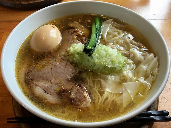 全部のせ(塩ワンタンチャーシュー麺+玉子) 1150円