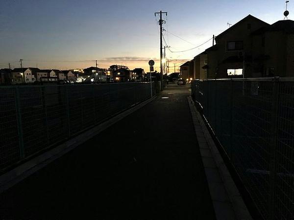 京成電鉄東中山駅へと急ぐ