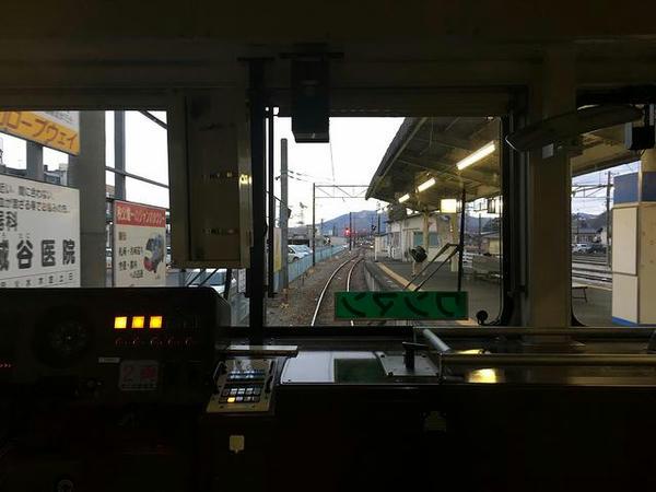 秩父駅に停車中(最後部の窓から)
