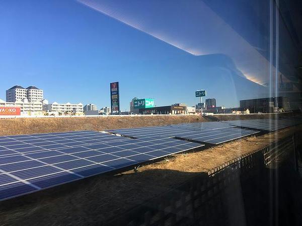成田新幹線跡地のソーラーパネル