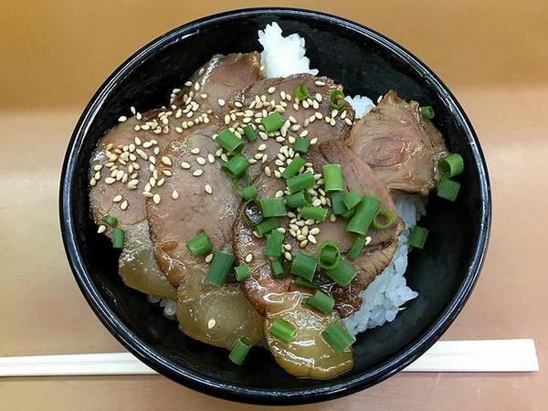 ミニチャーシュー丼 330円