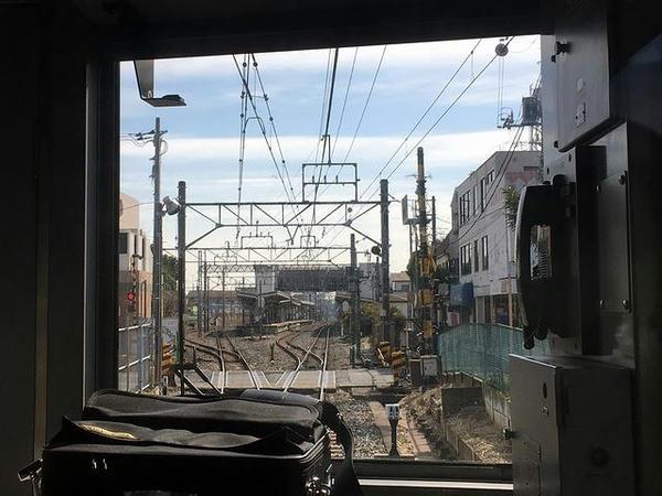 六実駅からは再び複線区間に