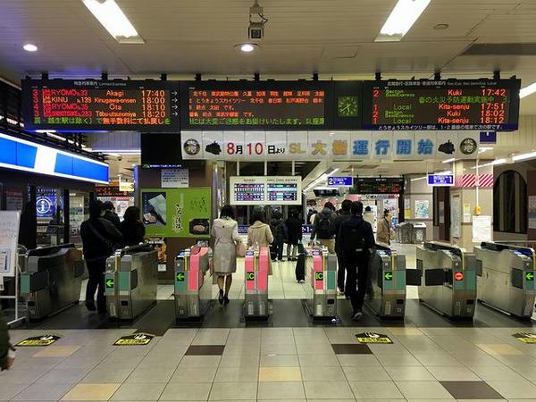 浅草駅改札口付近