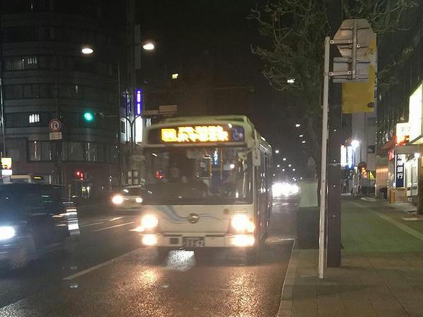 東武駅前停留所に入ってくる宇都宮駅西口行きバス