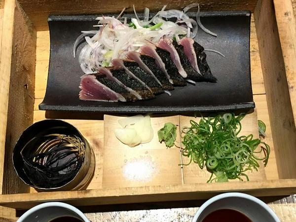 別邸流カツオの藁焼きタタキ 1200円
