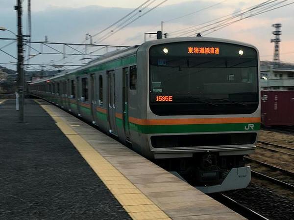 自宅最寄り駅に入ってきたJR宇都宮線上野行き上り普通列車