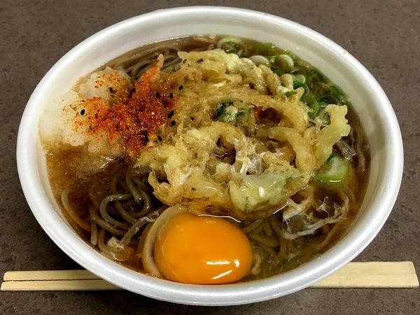 かきあげ天(そば) 420円 + 生卵 50円