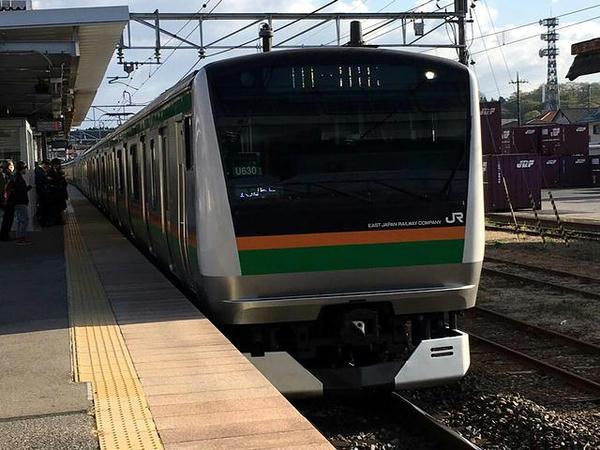 自宅最寄り駅に入ってくる上野東京ライン品川行き普通列車