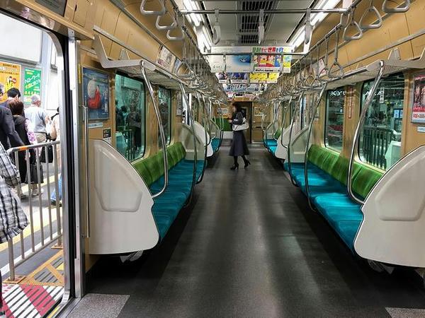 東急7000系電車の車内
