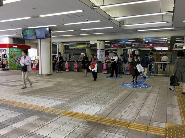 日吉駅改札口付近