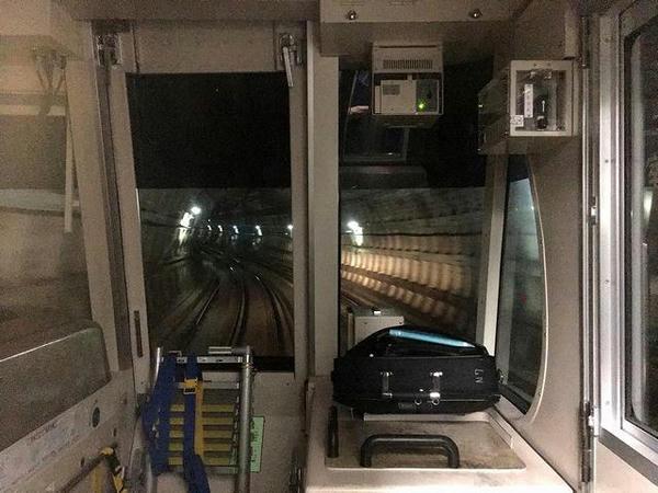 目黒駅を出て東京メトロ南北線へ