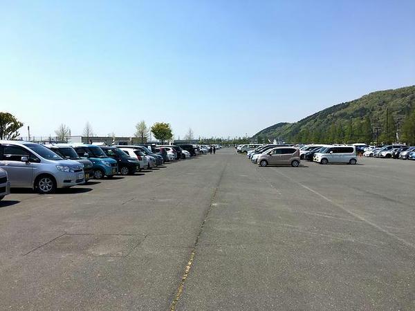 石巻市総合運動公園駐車場
