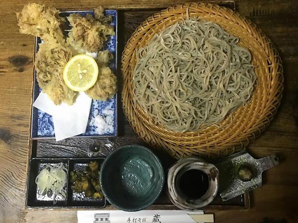 木鉢(もり)そば(大盛) 1050円 + 舞茸天麩羅 550円