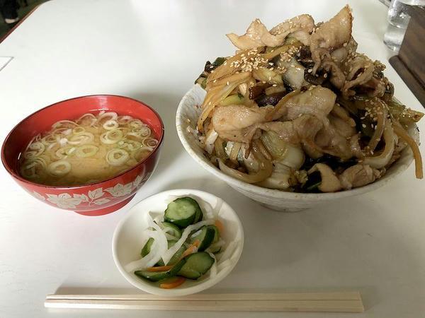 肉丼 850円
