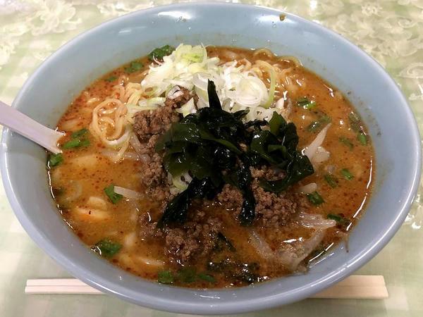 担々麺 720円