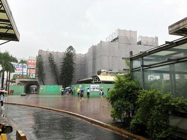 台南駅の駅舎