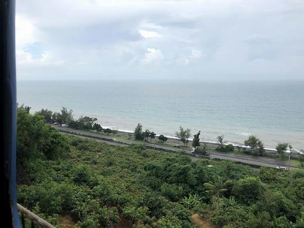 車窓から見た南シナ海