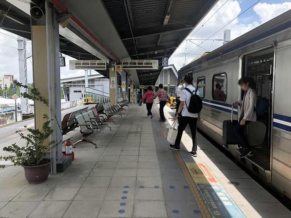 沙崙駅で下車