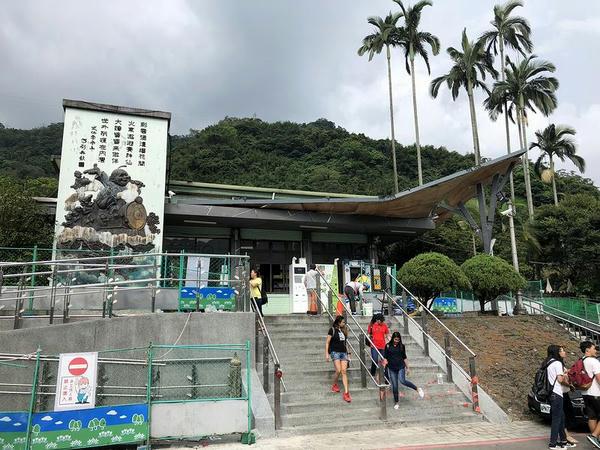 内湾駅の駅舎