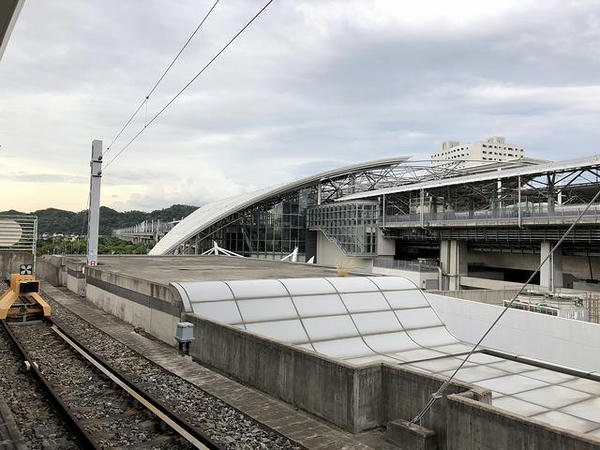 六家駅から見た高鉄の新竹駅