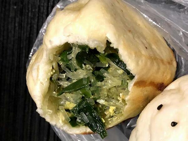 鮮肉包と韮菜包の中身