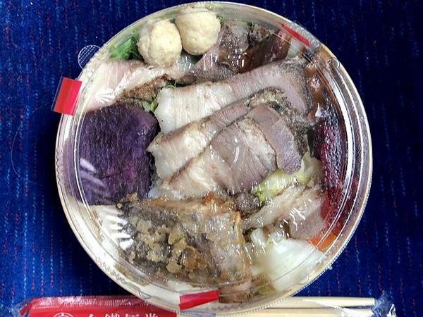 車中で食べた台鉄弁当(花蓮駅Ver.)