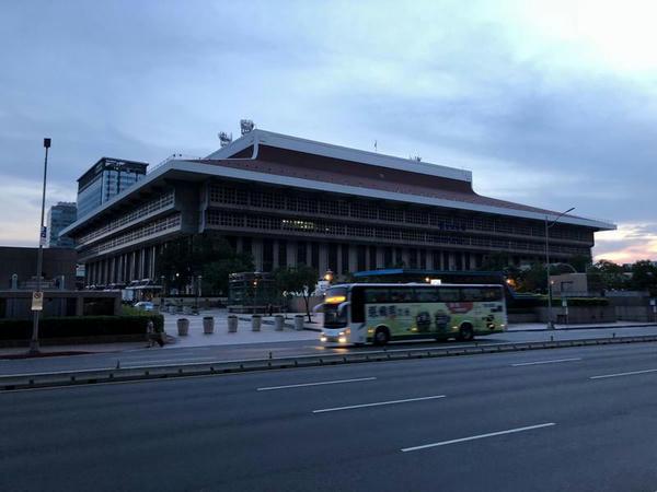 早朝の台北駅