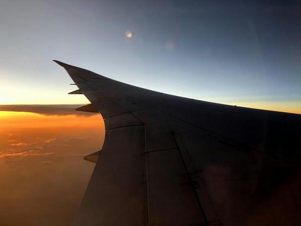 機窓から見た夕暮れ