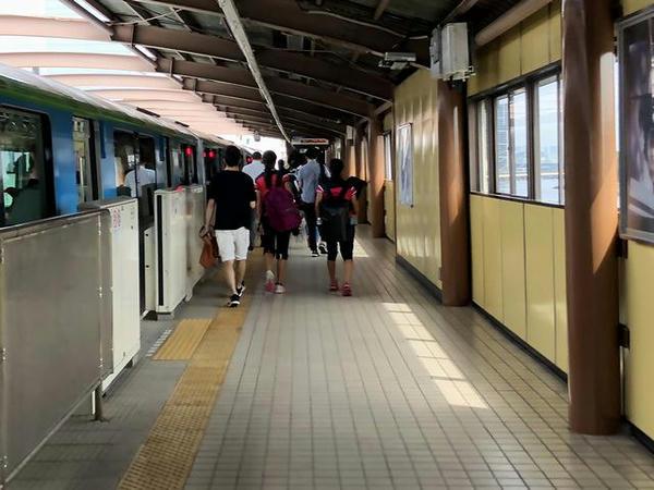 大井競馬場前駅に到着