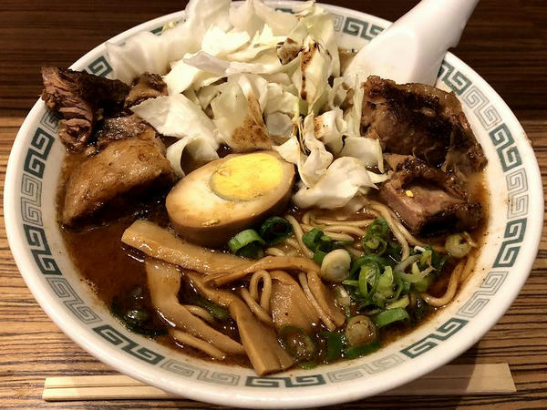 肉太(ターロー)麺 980円