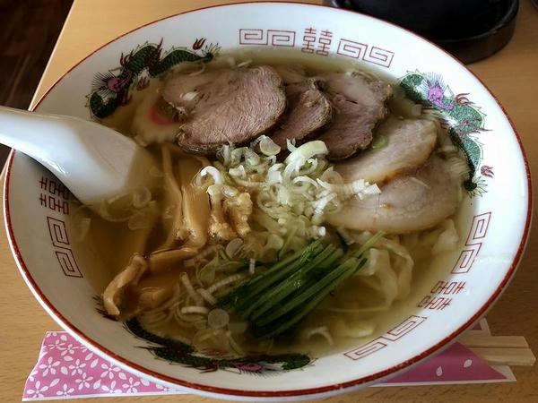塩チャーシュー麺 850円