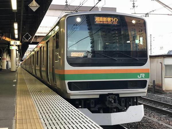 宇都宮駅に停車中のJR湘南新宿ライン普通列車