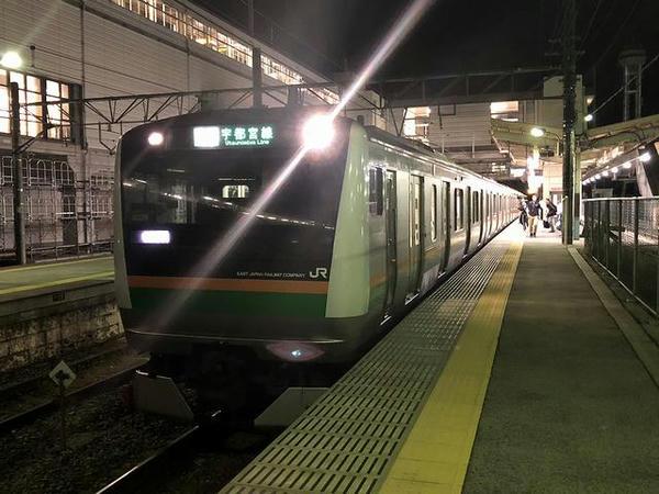 那須塩原駅に入ってくるJR宇都宮線上り普通列車