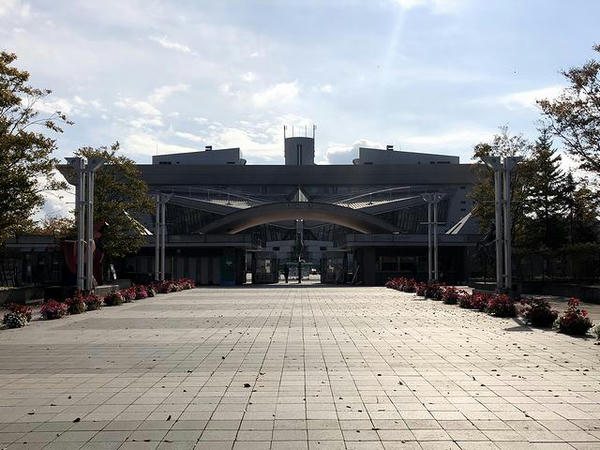 盛岡競馬場正門