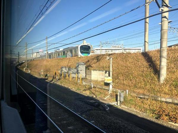 所沢駅手前で西武池袋線と合流