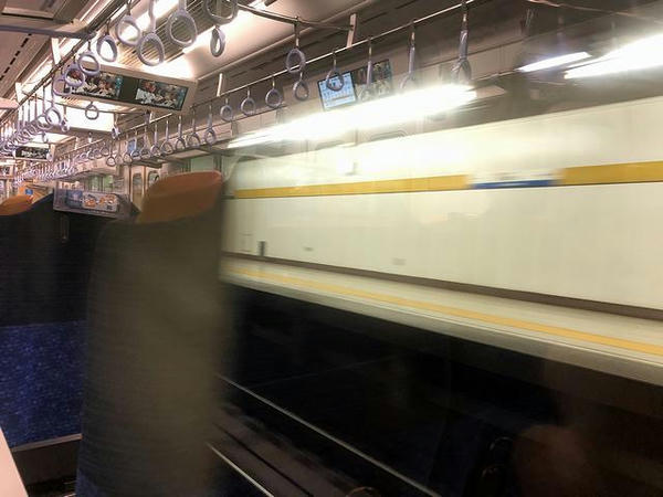 新桜台駅通過中