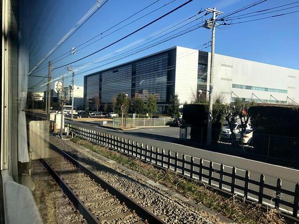 サミー川越工場横を通過