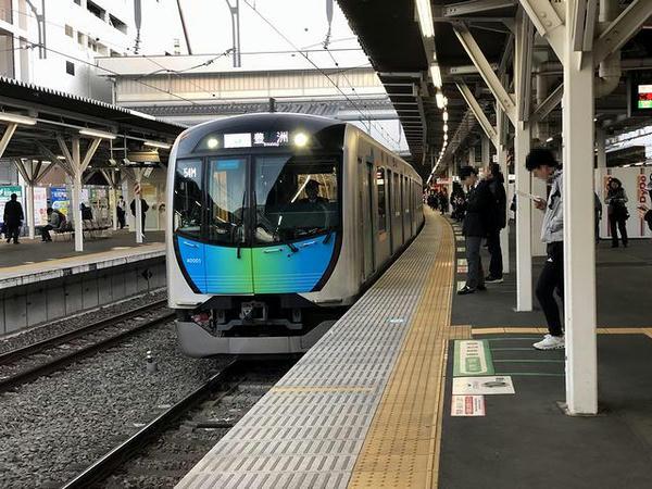 所沢駅に入線するS-TRAIN104号