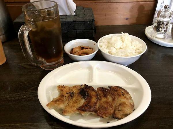 餃子ランチ(こってり醤油) 850円 の焼き餃子・小ライスなど