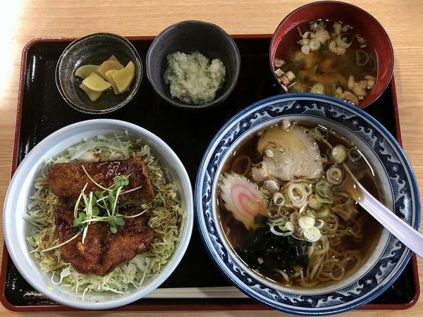ミニソースカツ丼と半ラーメンセット 1000円