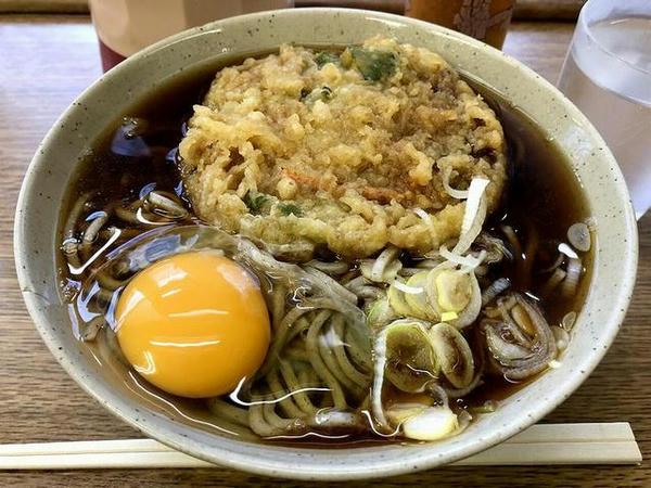 京成高砂駅のホームでいただいた立ち食いそば