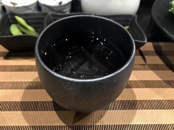 博多小女郎吟醸磨き(ロック) 420円(税別)