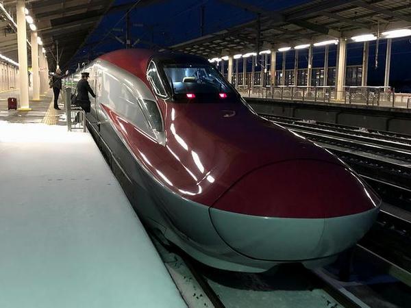 那須塩原駅に停車中のなすの254号