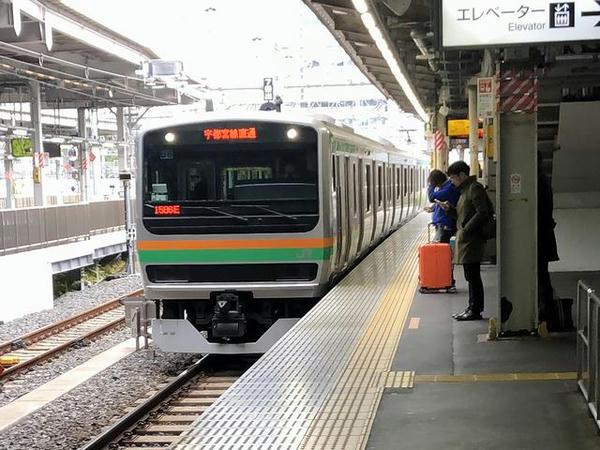 品川駅に入ってきた上野東京ライン黒磯行き普通列車