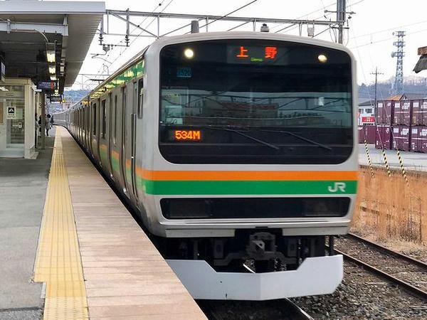 自宅最寄り駅に入線する上野行き普通列車