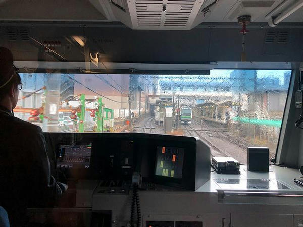 横浜線と合流して東神奈川駅に
